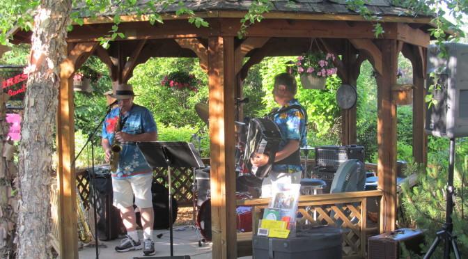 Garden concert ice cream social cchs senior living for Hudson gardens concert schedule
